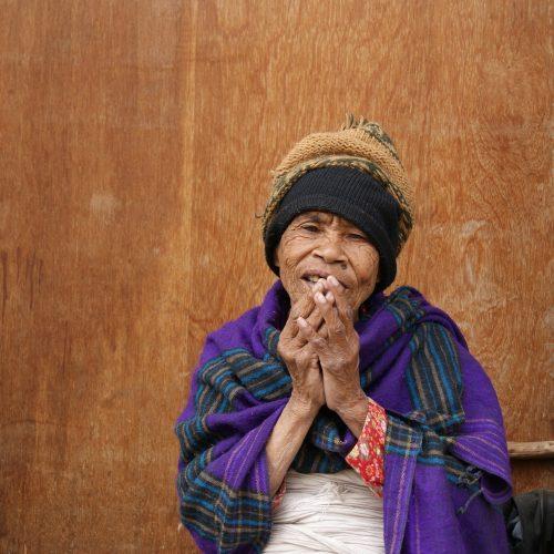 nepal-alte-frau